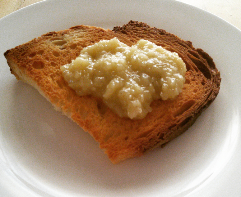 Crostini al miele e pecorino